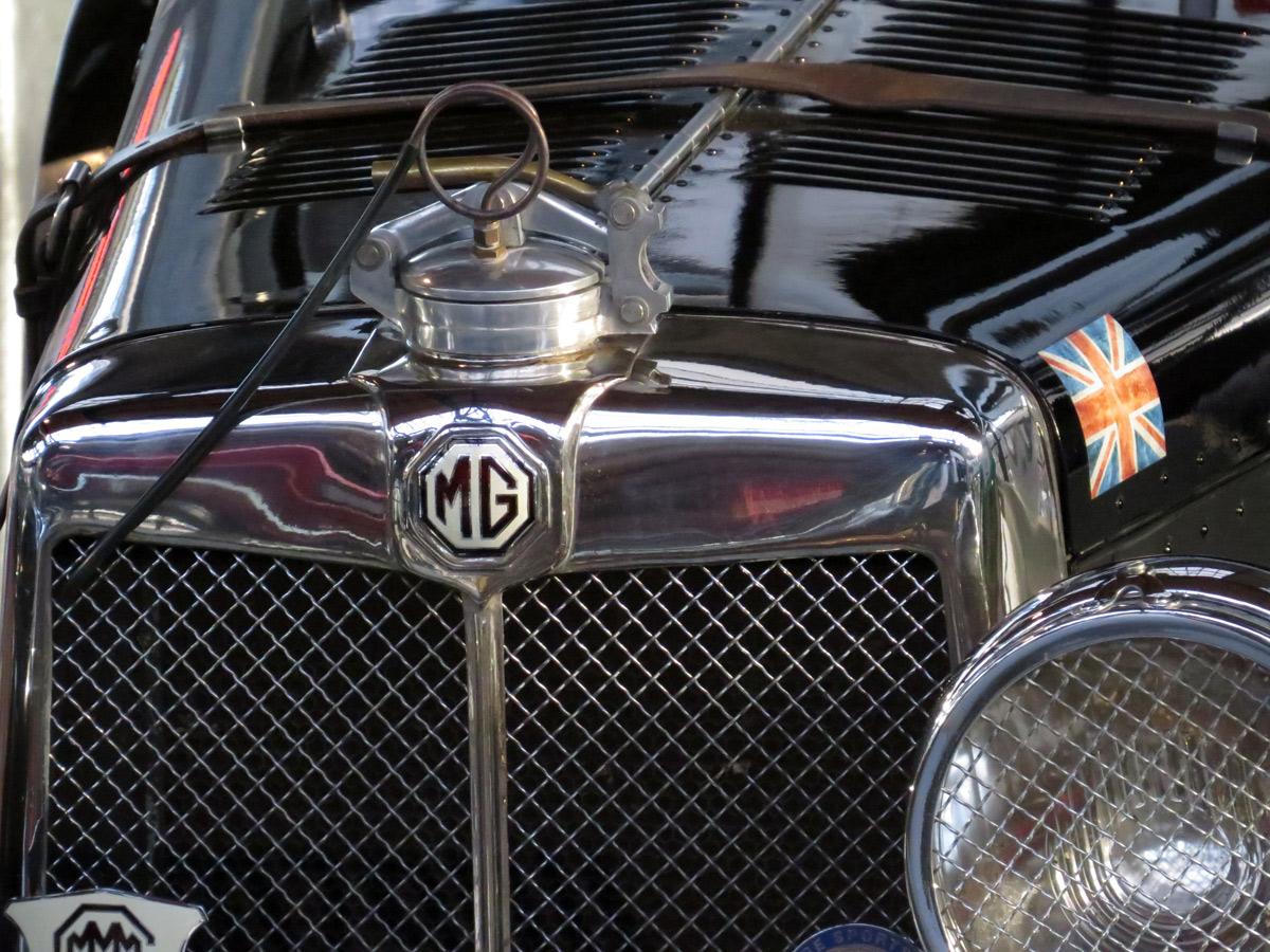 Zeitzeugen vergangener Zeite - hier ein MG - Classic Remise in Düsseldorf