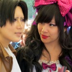 Reika - Japanische Cosplayerin mit einem Fan