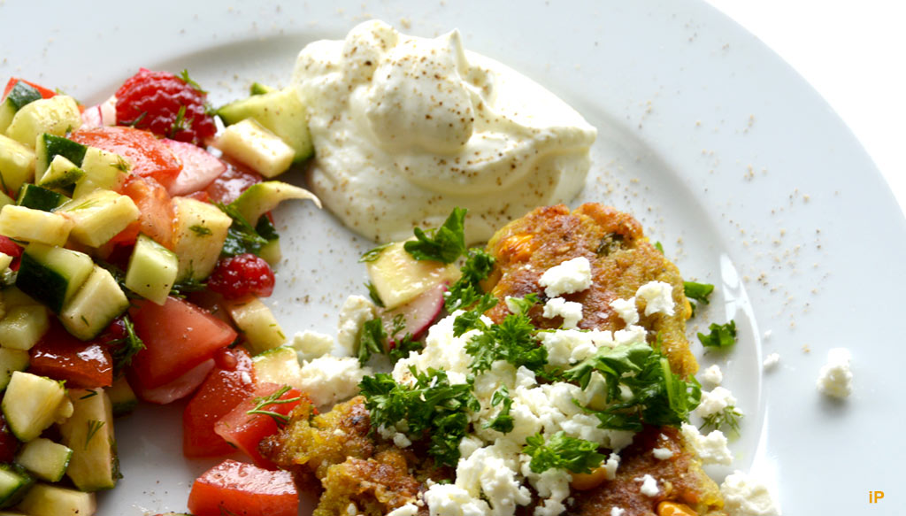 Buchweizenfrikadellen, Salat & Qark